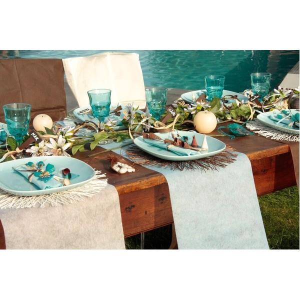 chemin de table bleu ciel uni jetable intisse bleu. Black Bedroom Furniture Sets. Home Design Ideas
