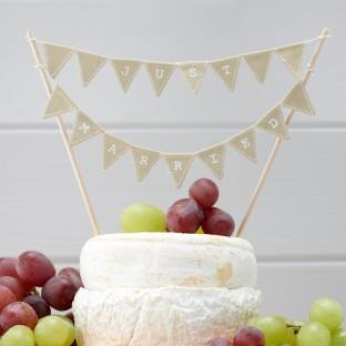Guirlande gâteau rétro Just Married en jute