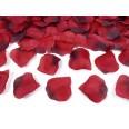100 pétales de rose en tissu rouge