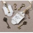 24 clés vintage bronze, ruban et étiquettes tags