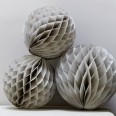 3 boules alvéolées grises