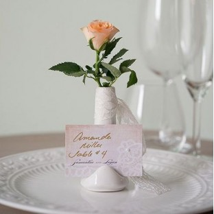 Petit vase marque place blanc porcelaine