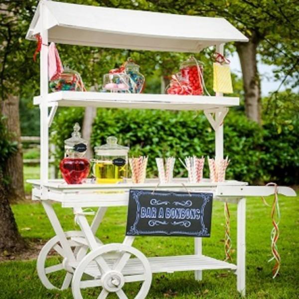 location charette candy bar blanc en bois centre de table creative emotions. Black Bedroom Furniture Sets. Home Design Ideas